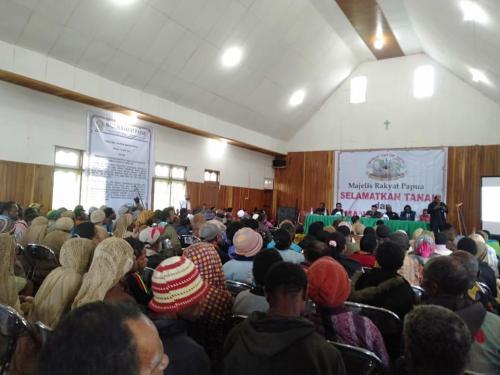 Rapat dengar pendapat MRP bersama masyarakat wilayah adat Mee Pago