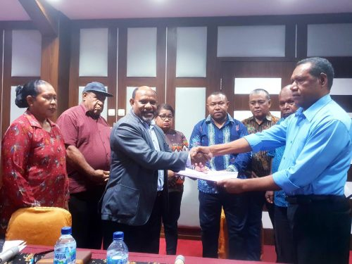 Berita Video: Membawah aspirasi eks OPM, Komisi I DPRD Kabupaten Biak Numfor bertemu MRP