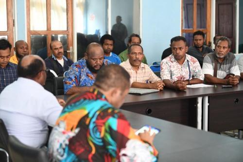 Perwakilan 8.300 karyawan PT Freeport Indonesia yang dipecat usai mogok kerja 2017 mengadukan nasib mereka ke Majelis Rakyat Papua di Kota Jayapura, Selasa (4/8/2020). Lembaga Bantuan Hukum Papua turut mendampingi para eks karyawan Freeport saat menemui Majelis Rakyat Papua pada Selasa 4 Agustus 2020 - Humas MRP